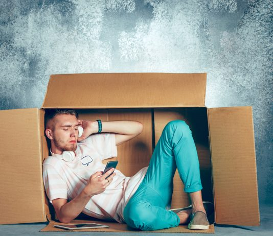 guy chilling inside a box and learns about Progentra