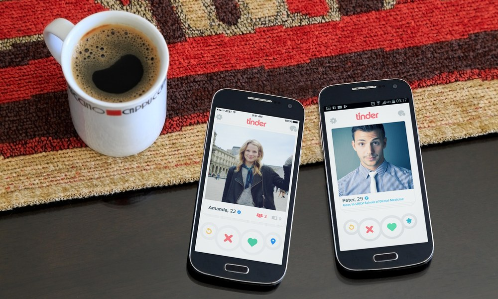 Scared to Send that First Tinder Message? Try Saying This to Start a Conversation
